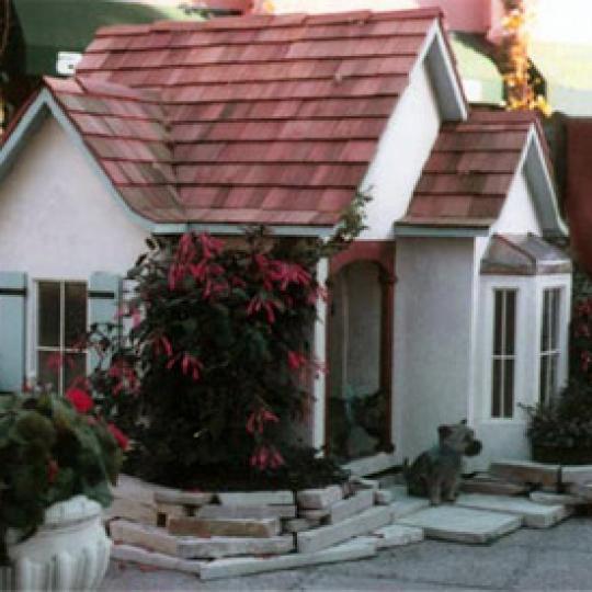 Laguna Doghouse